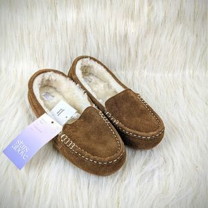 NWT Stars Above Moccasin Slippers Suede Size 6